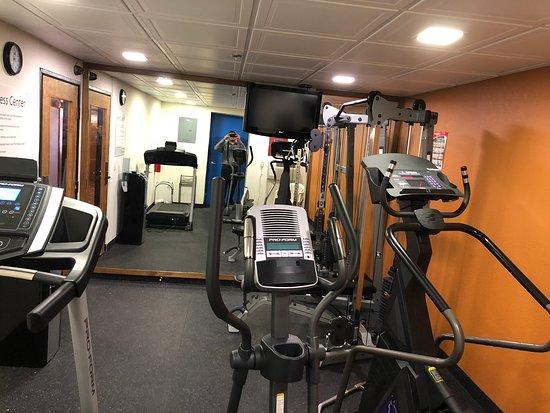 Comfort Inn Racine - Mount Pleasant: Fitness room
