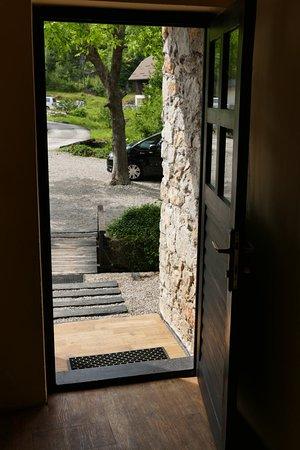 San Korana: Entrance door (exit from the house into the yard)