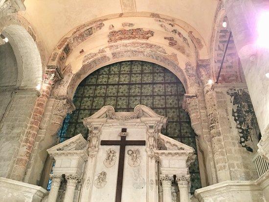 Angers, France: Nef de l'abbatiale