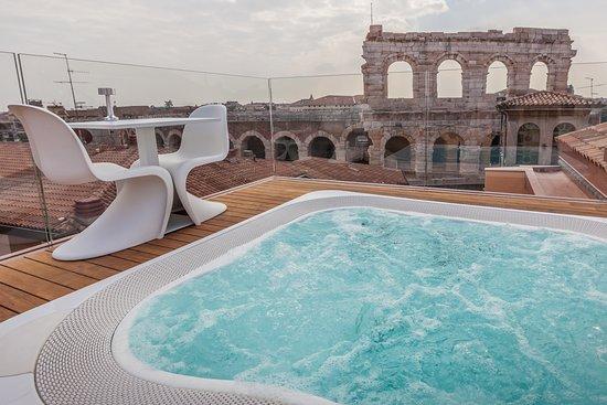 Terrazza Arena Jacuzzi Picture Of Hotel Milano Spa