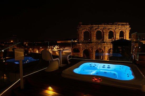 Terrazza Arena Jacuzzi Serale Picture Of Hotel Milano