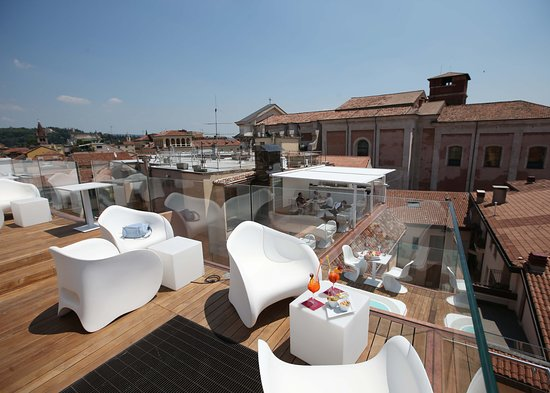 TERRAZZA ARENA SKY LOUNGE BAR - Picture of Hotel Milano & Spa ...