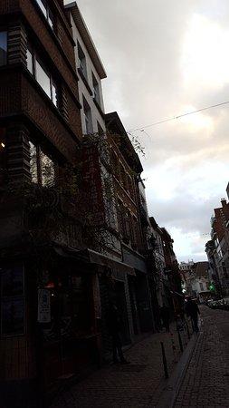 Rue Antoine Dansaert : Busy street