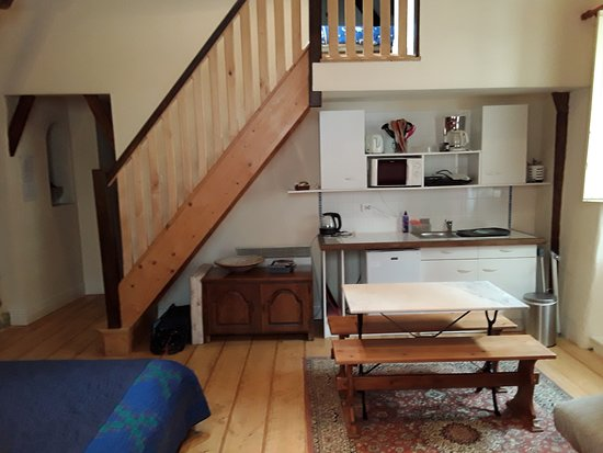 Entraygues-sur-Truyere, France: Small kitchen in room 3