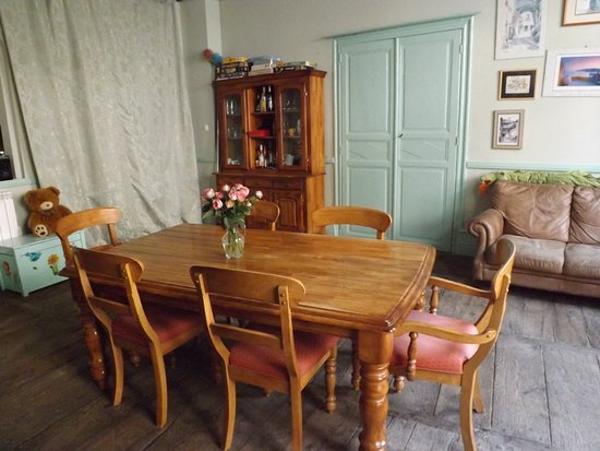 Entraygues-sur-Truyere, France: Dining room, for breakfast