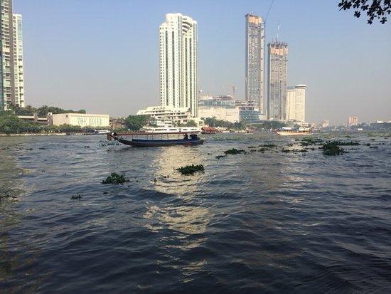 La Fontana Lisse.The Biggest River Of Bangkok Picture Of La Fontana Lisse