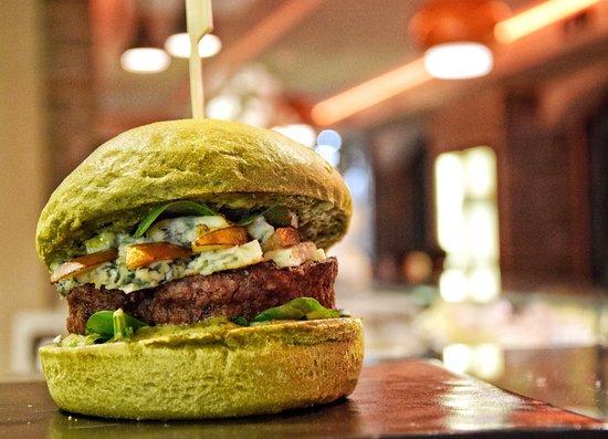 Conosciuto St.Patrick's Burger con pane agli spinaci - Picture of Burmet CO91