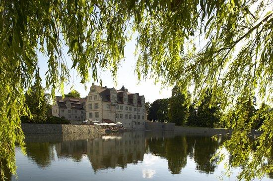 Aerzen, Alemania: Schlosshotel Münchhausen - Außenansicht