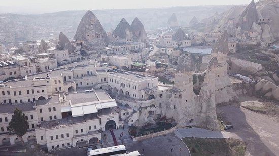 Goreme Kaya Hotel: Notice how the hotel is attached to the 2 rock formations, which carry the actual cave rooms.