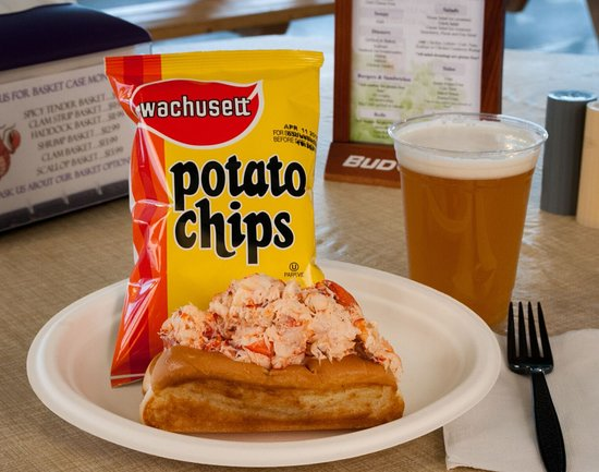 Epping, NH: 10 oz. lobster roll