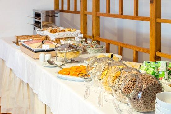 Pinhal da Marina: Continental Breakfast