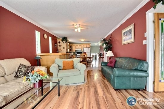 Wasaga River Resort Inc: open concept fully loaded !