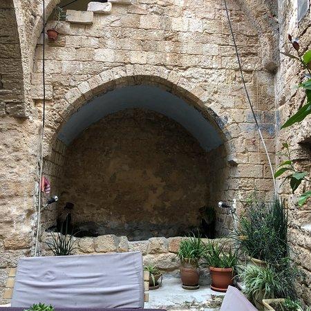 Fauzi Azar Inn by Abraham Hostels: photo0.jpg