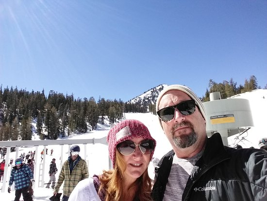 Mammoth Lakes, CA: At Canyon lodge, Wow not a picture of me falling in snow-Rare.