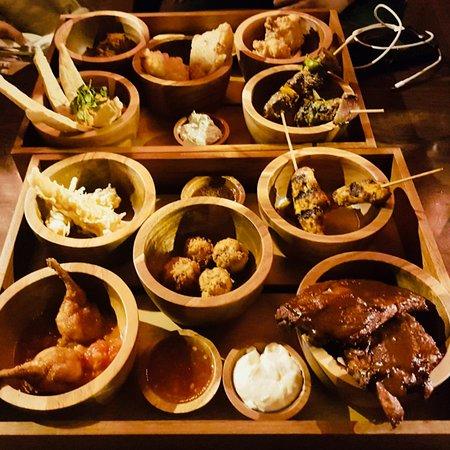 Hampton-in-Arden, UK: Tempura Prawns, Sweetcorn Fritters (v),  Lamb Sheesh Kebab, Vegetable Samosas (v),  Chicken Sat