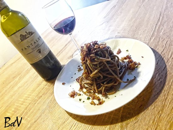 Guiglia, إيطاليا: Spaghetti al Chianti con Guanciale croccante e Timo