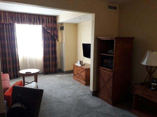 Allure Resort International Drive Orlando: 20180316_110206_large.jpg
