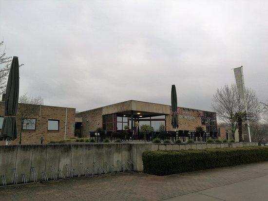 Dilsen-Stokkem, Bélgica: restaurant & terras