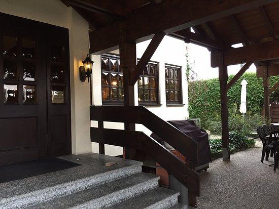Eingang Bild Von Restaurant Schone Aussicht Liederbach Am Taunus