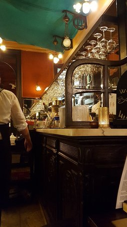 Le Falstaff: Opulent tavern.