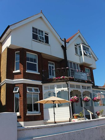 Beamsley Lodge: Front of the B & B
