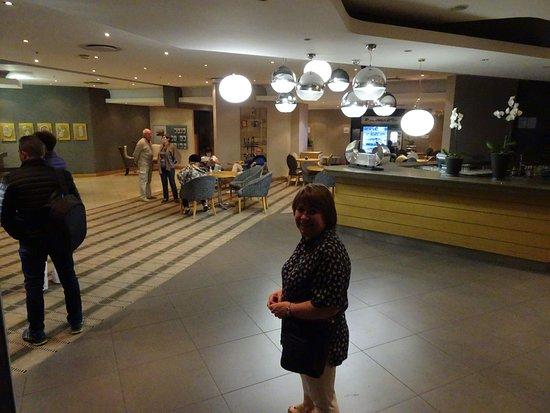 Holiday Inn Express Pretoria-Sunnypark: Hall d'accueil au niveau 1