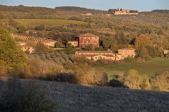 Castellina In Chianti, Olaszország: TENUTA DI LILLIANO, VILLA E CANTINA