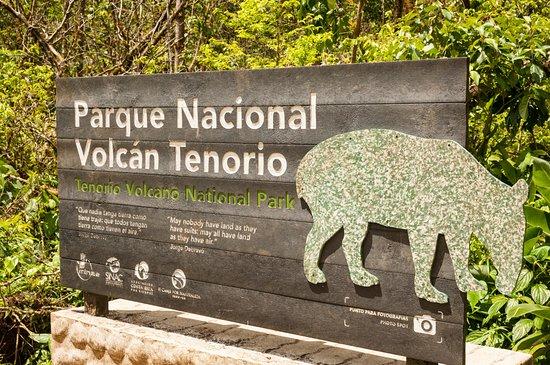 Tenorio Volcano National Park, Costa Rica: Trail entrance sign