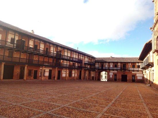 San Carlos del Valle, España: Plaza Mayor