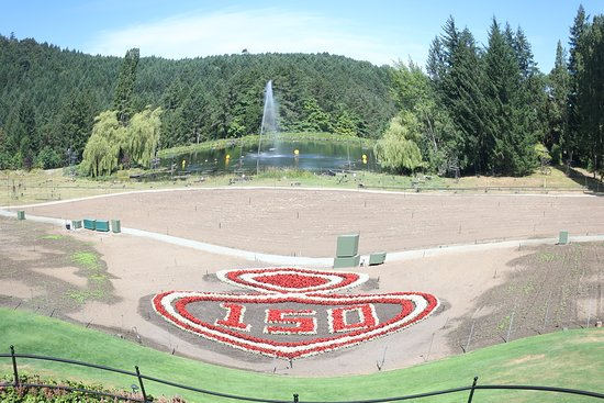 Canada Celebrated In 2017 150 Years Of Independence Picture Of The Butchart Gardens Central