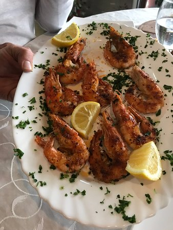 Gostivar, Republika Macedonii: The shrimp was excellent, succulent, with an addition of paprika to add to the taste.