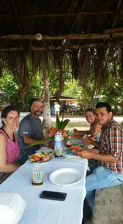 Santiago de Puriscal, คอสตาริกา: Lunch on the last day at the beach