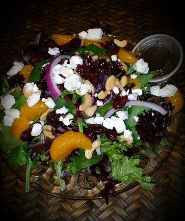 Rhinelander, WI: Spinach Mandarin Salad