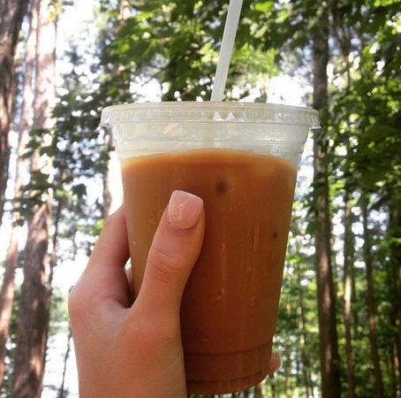 Rhinelander, WI: Iced Honey Bee latte