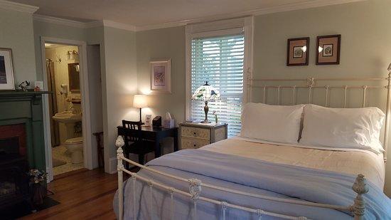 Goshen, VA: Teter-Wood Guest Room