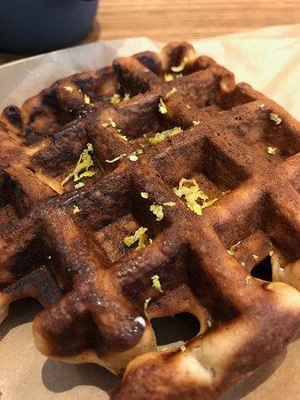 Mazarine Coffee: Mazarine waffle