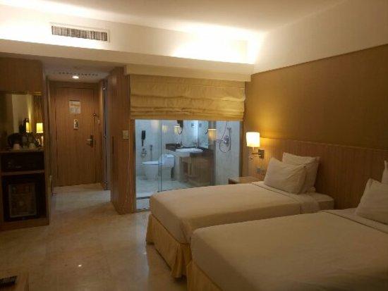 Novotel Surabaya Hotel and Suites: IMG20180315163457_large.jpg
