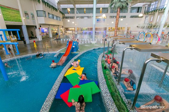 Pasig, Filippinerna: Enjoy the stream of our Lazy River inside Ace Water Spa