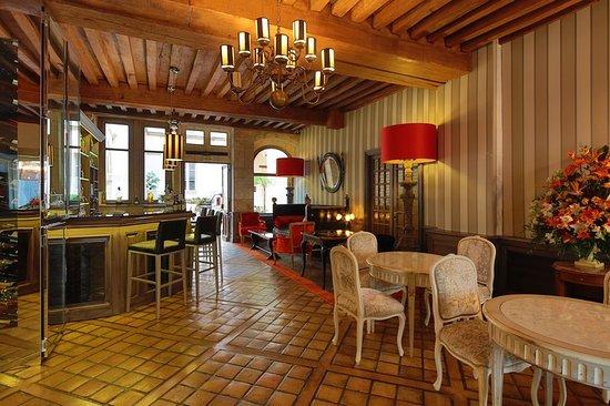 Hotel de luxe le cep beaune france voir les tarifs for Hotel de luxe france