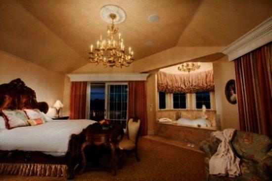 Santa Ynez, CA: Suite