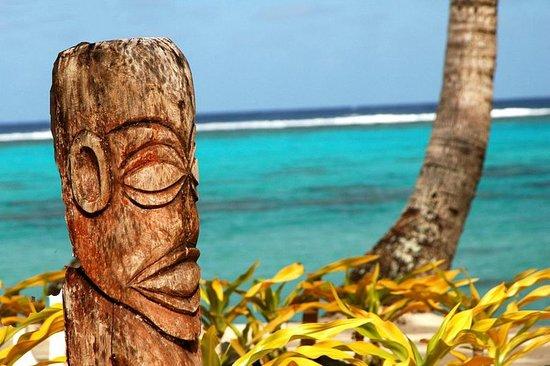 Τιτικαβέκα, Νήσοι Κουκ: Exterior