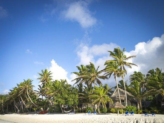 Titikaveka, Cook Islands: Beach