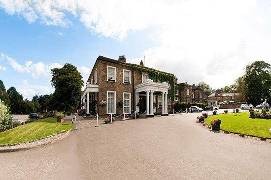 Brimington, UK: Exterior