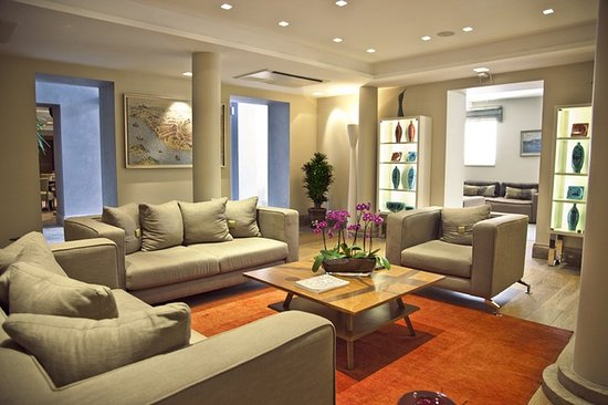 Tomtom Suites : Lobby