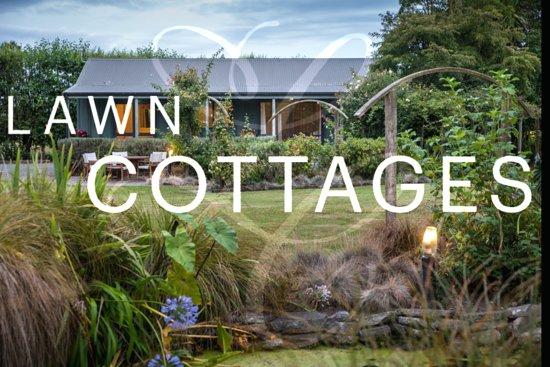 Clive, New Zealand: Lawn Cottages. Magnolia Cottage.