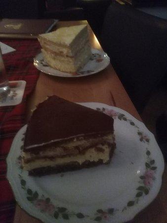 Queens Coffee and Pub: Leckere Hausgemachte Kuchen
