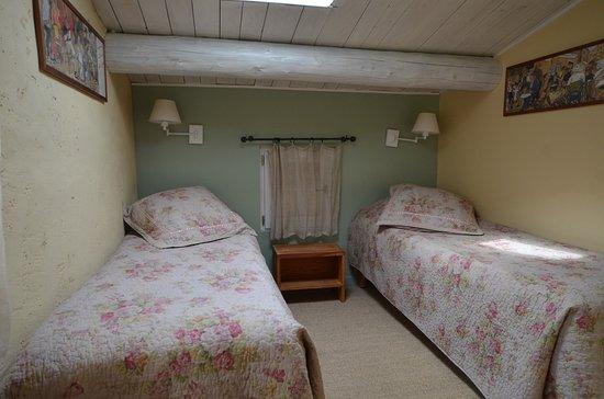les maisons de chante oiseau sigonce france voir les tarifs et avis condo tripadvisor. Black Bedroom Furniture Sets. Home Design Ideas