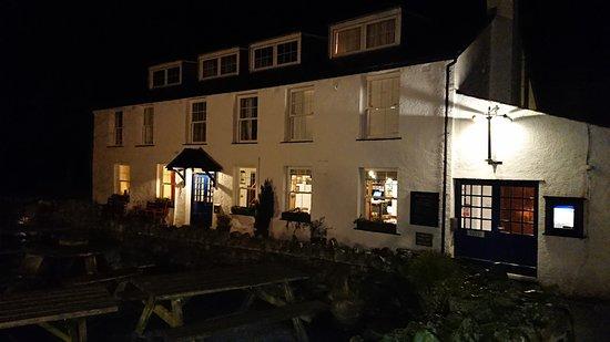 Langstrath Country Inn: Outside.