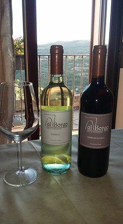 Monterosso Almo, Италия: Vino locale