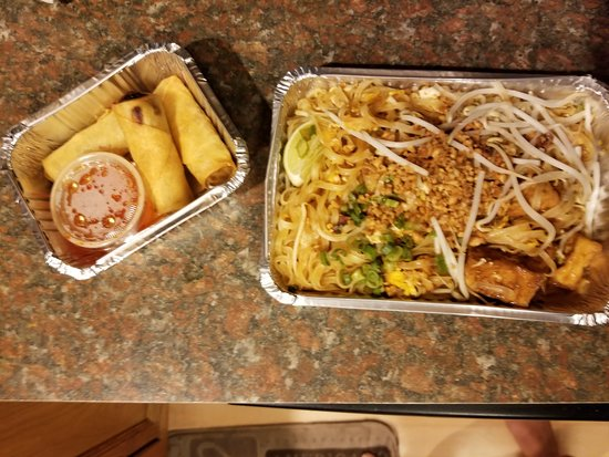 Essex, VT: Pad Thai and Springrolls